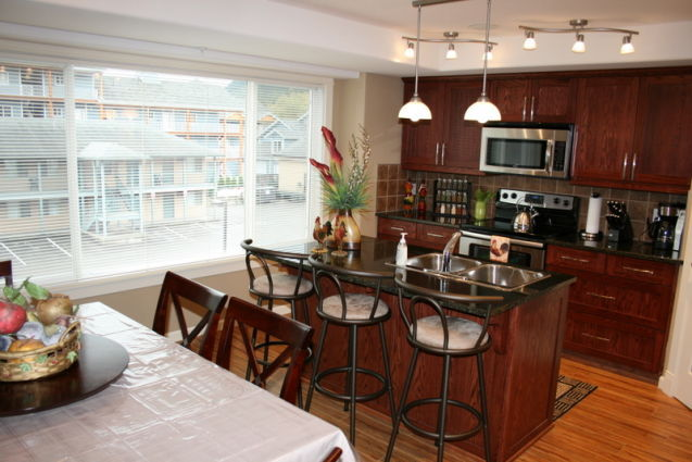 2 Bedroom + Loft Sleeps 10 - Portside Court - Unit ID#22